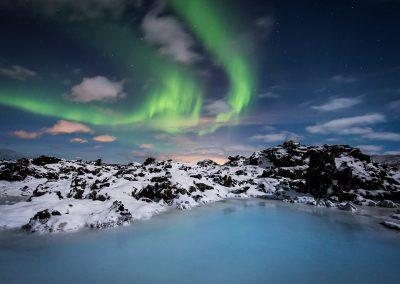 Northern Light gazing the Blue Lagoon