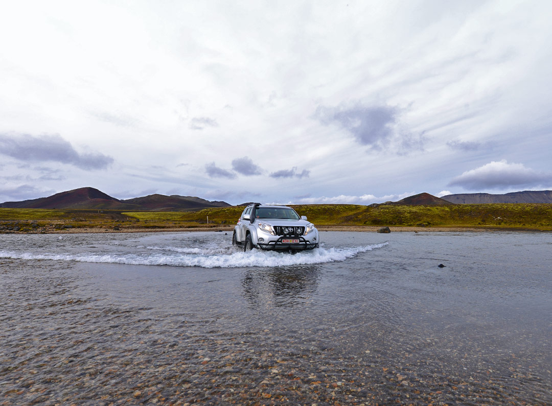 Super jeep river crossing in Iceland